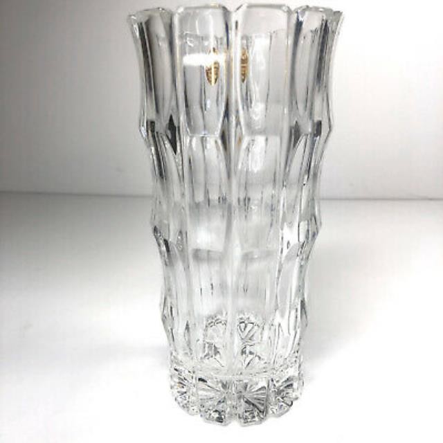 Where to find TIARA VASE 7 X3 in Cleveland